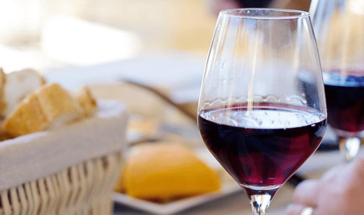 motivos-para-decantar-vinho-e-como-fazer-world-importados