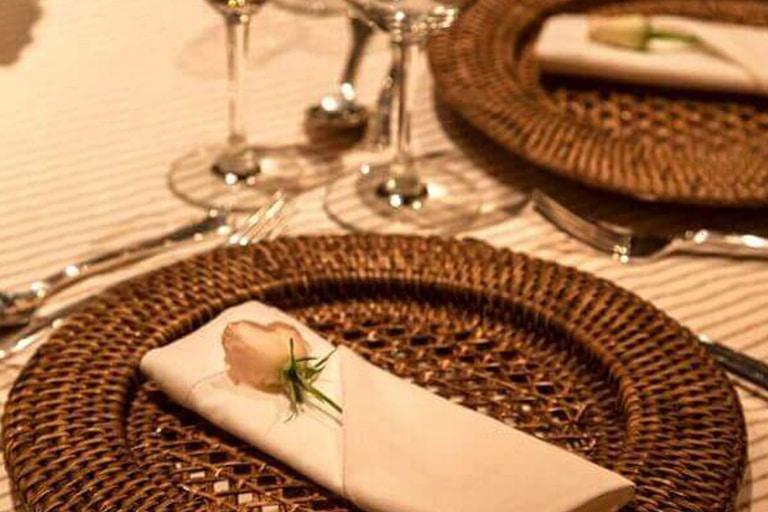 mesa-posta-para-o-dia-das-mães-celebre-essa-data-com-amor-e-elegância-2