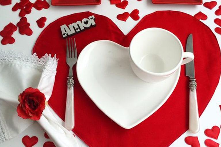 mesa-posta-dia-dos-namorados-dicas-para-montar-uma-composição-romântica-3