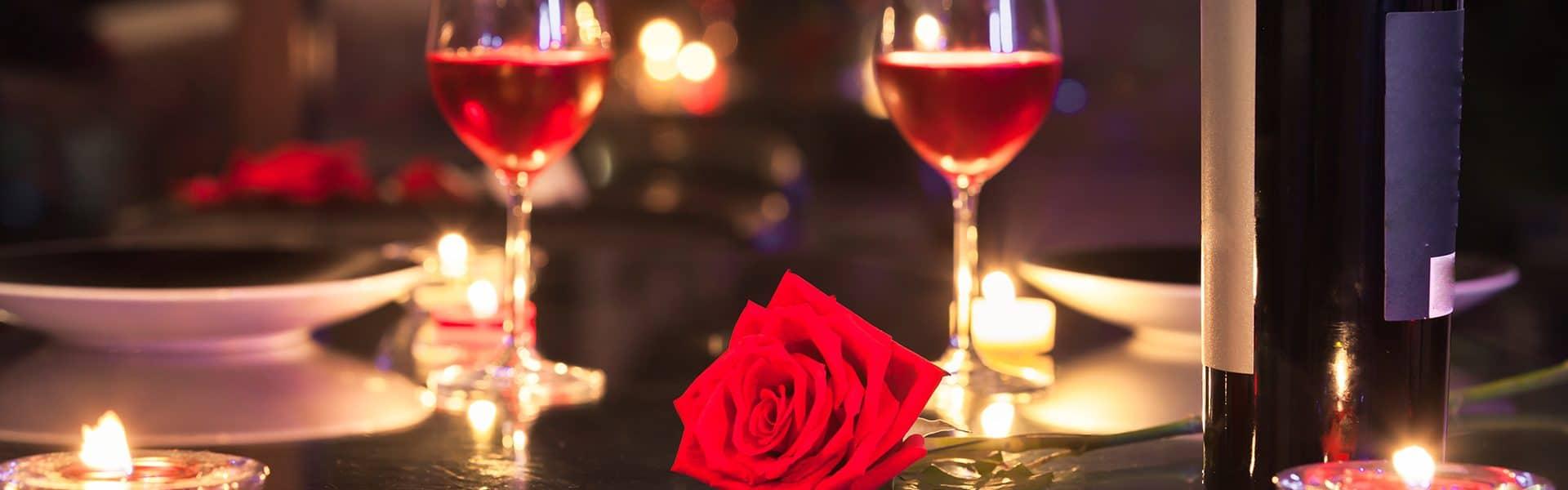 mesa-posta-dia-dos-namorados-dicas-para-montar-uma-composição-romântica-capa
