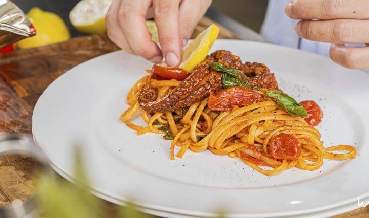 Receita de Polvo ao Pomodoro com o Chef Bartô - World Importados