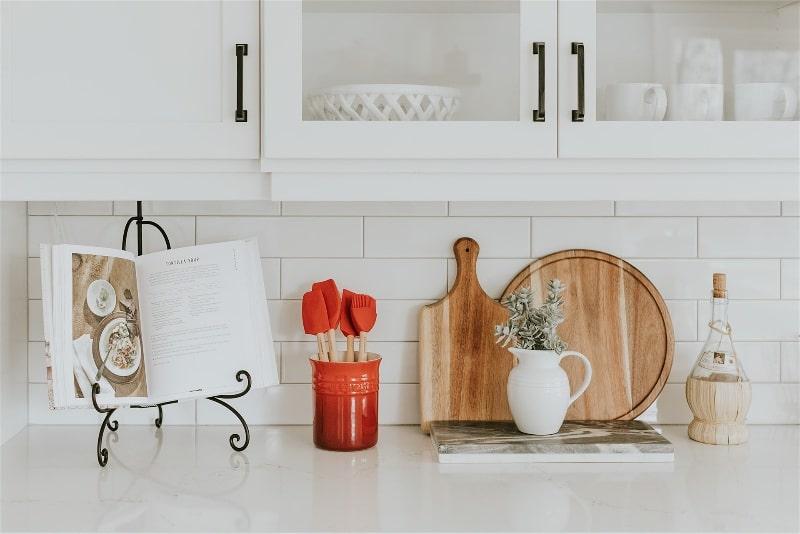 Imagem de uma bancada de cozinha